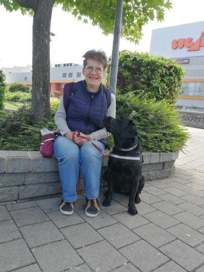 Plachy Lilla és Inga (Kiképző: Köbli Mónika)